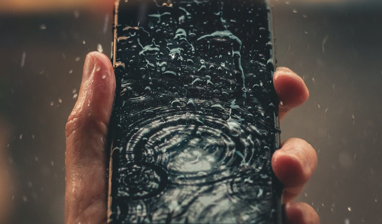 What to do if you drop your phone into water